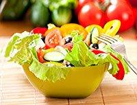 Як правильно готувати салати.