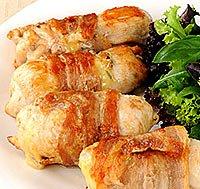 Святкові страви: Курячий рулет у фользі.