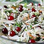 Салат з квашеною капустою , яблуком і журавлиною «Вітамінний»