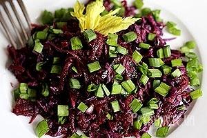 Салат з червоної капусти і буряка